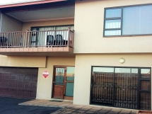 Scottburgh - Stylish self catering Town House - Beautiful View / Rue De Ville