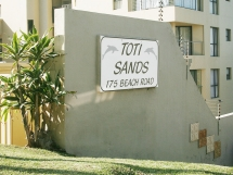 Direct access to main beach in Amanzimtoti / Toti Sands Mey
